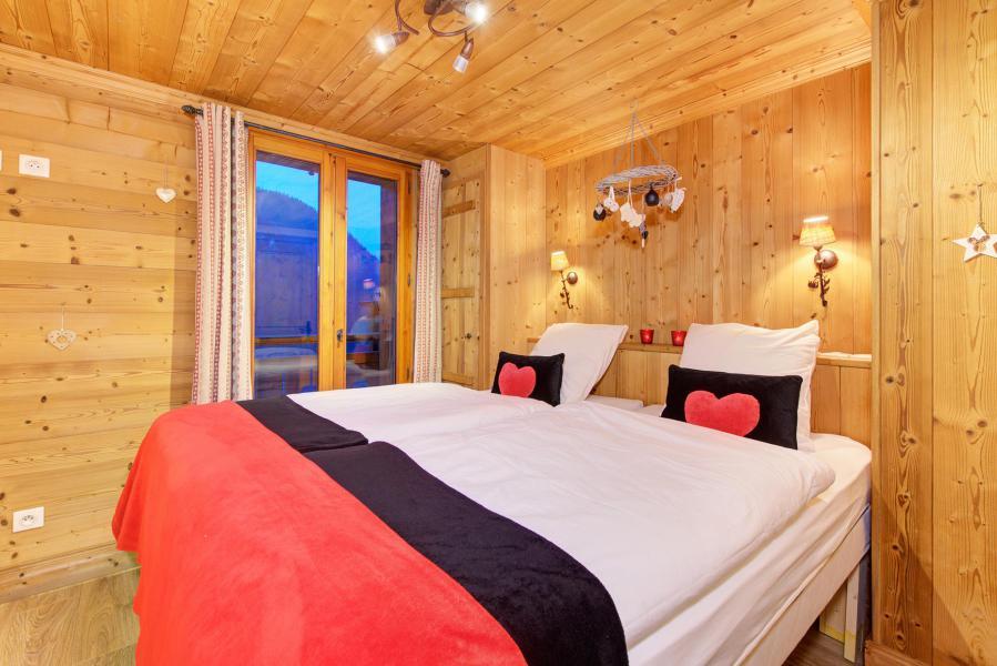 Holiday in mountain resort Chalet Rosa Villosa - Champagny-en-Vanoise - Bedroom