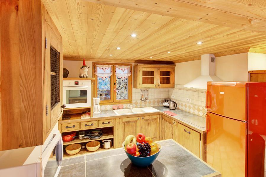 Holiday in mountain resort Chalet Rosa Villosa - Champagny-en-Vanoise - Kitchen