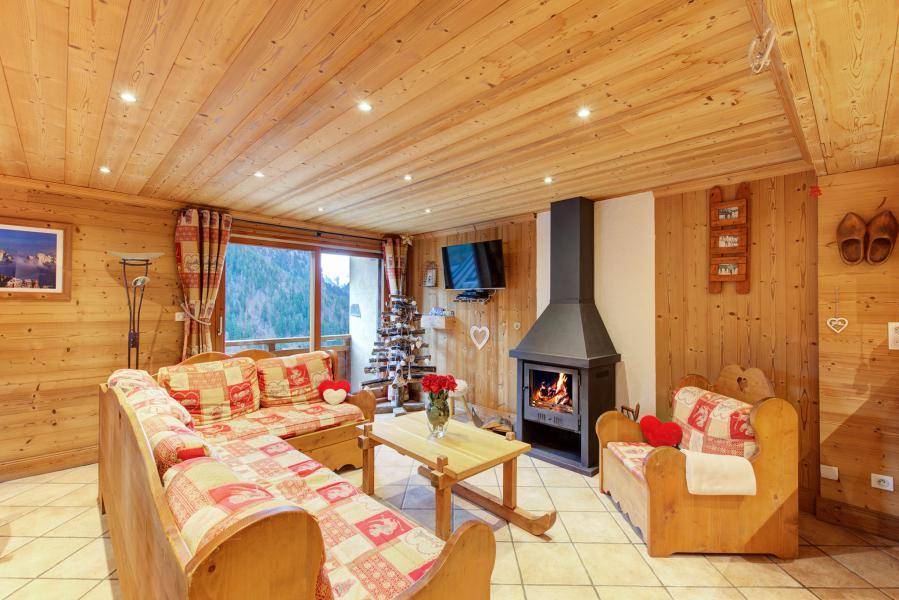 Vacances en montagne Chalet Rosa Villosa - Champagny-en-Vanoise - Poêle à bois