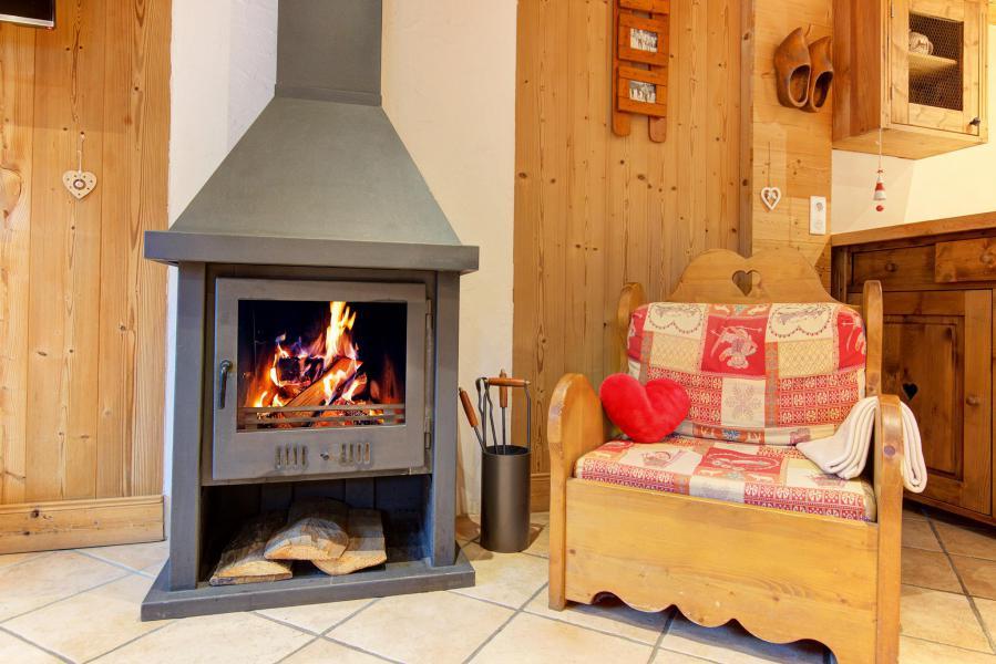 Holiday in mountain resort Chalet Rosa Villosa - Champagny-en-Vanoise - Stove