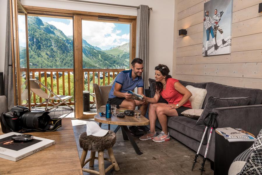 Vakantie in de bergen Chalet Skadi - Val d'Isère - Woonkamer