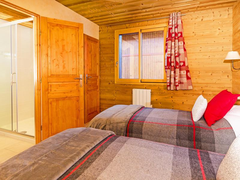 Holiday in mountain resort Chalet Ski Royal - Les Menuires - Bedroom