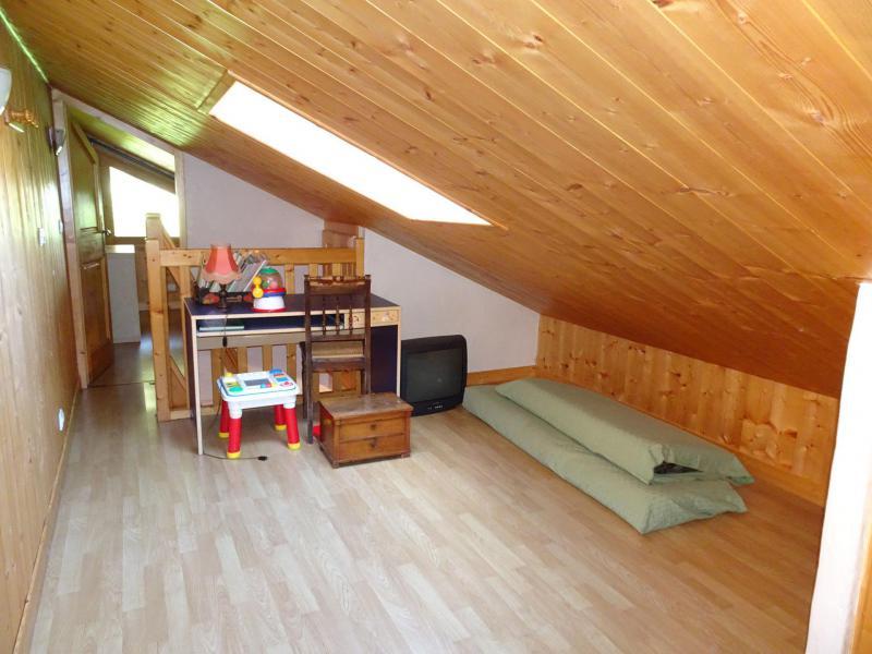 Wakacje w górach Apartament triplex 6 pokojowy 12 osób - Chalet Soldanelles - Champagny-en-Vanoise - Antresola na poddaszu (-1,80 m)
