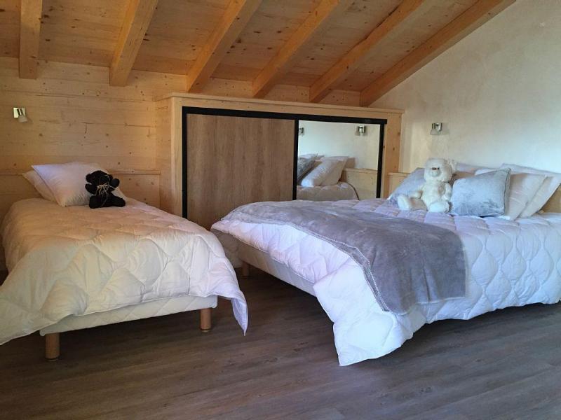 Vacaciones en montaña Chalet triplex 6 piezas para 12 personas - Chalet Soleya - Le Grand Bornand - Habitación