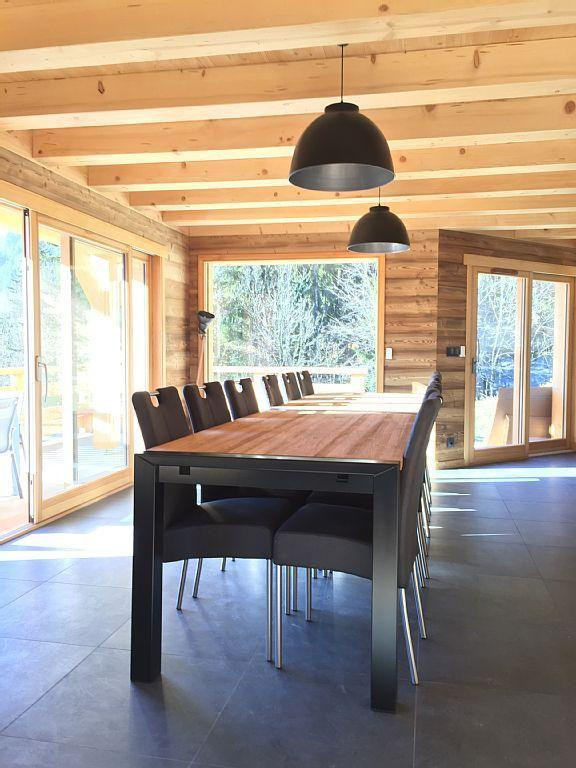 Vacaciones en montaña Chalet triplex 6 piezas para 12 personas - Chalet Soleya - Le Grand Bornand - Mesa