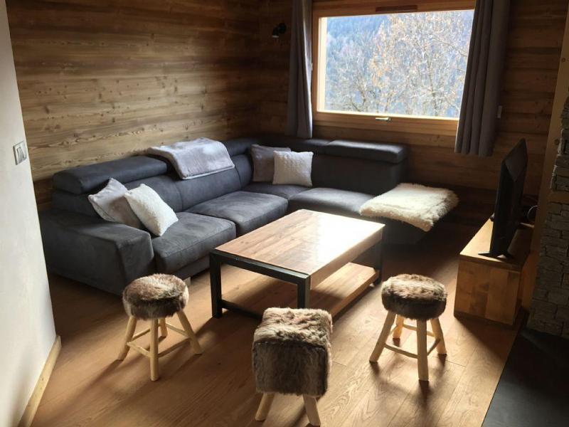Vacaciones en montaña Chalet triplex 6 piezas para 12 personas - Chalet Soleya - Le Grand Bornand - Sofá
