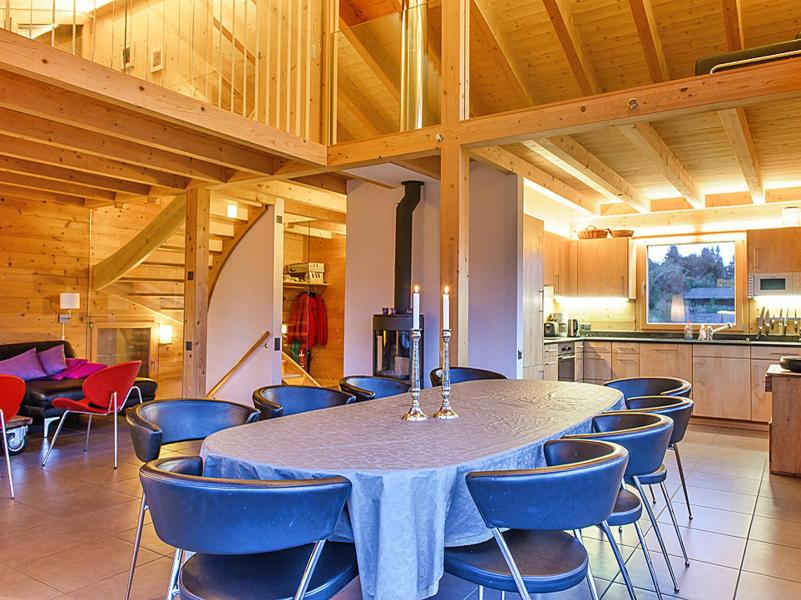 Holiday in mountain resort Chalet Sur Piste - Thyon - Dining area