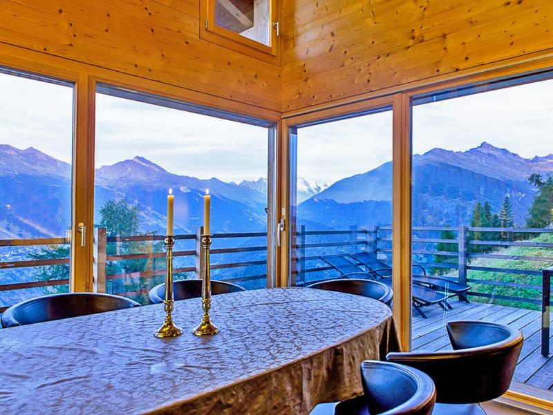 Holiday in mountain resort Chalet Sur Piste - Thyon - Table