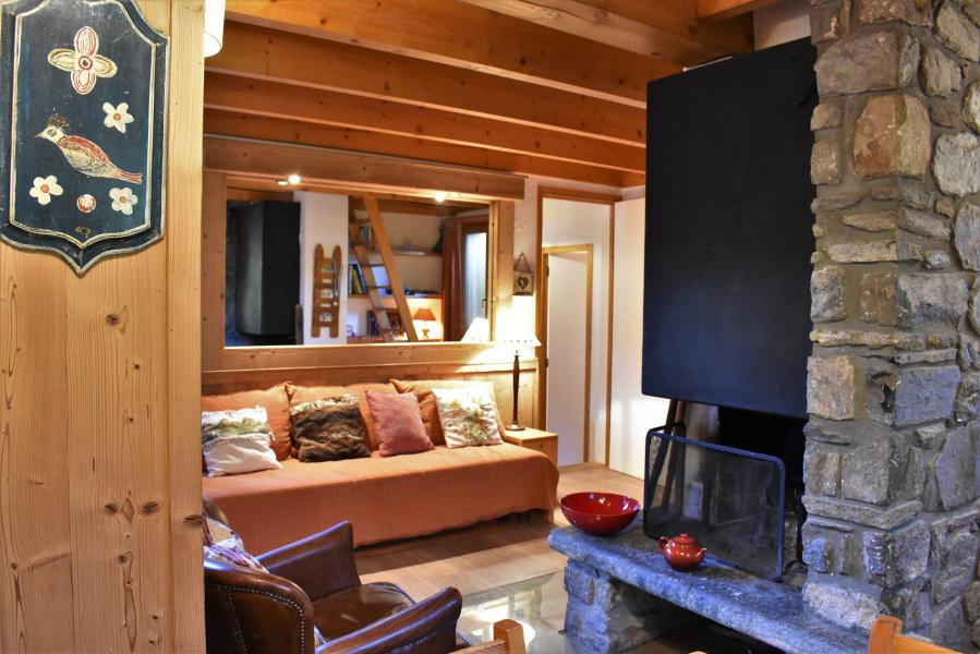 Holiday in mountain resort 3 room duplex chalet 6-8 people (tarnad) - Chalet Tara - Méribel - Fireplace