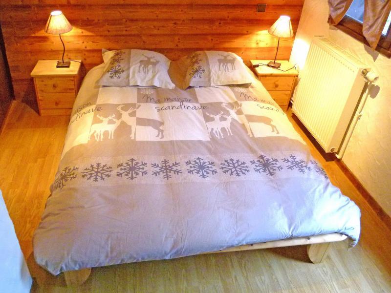 Holiday in mountain resort Chalet Tavel - Champagny-en-Vanoise - Bedroom