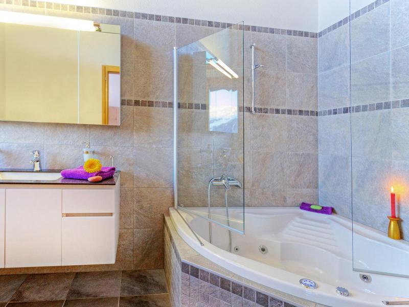 Holiday in mountain resort Chalet Teychenne - Thyon - Balneo bath-tub