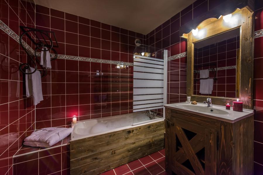 Vacances en montagne Chalet Val 2400 - Val Thorens - Salle de bains