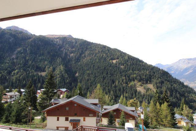 Аренда на лыжном курорте Апартаменты 2 комнат кабин 6 чел. (J12) - Chalets d'Arrondaz - Valfréjus - летом под открытым небом