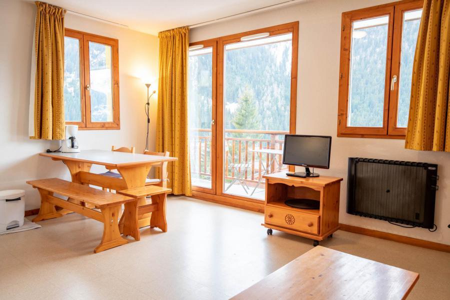 Vacaciones en montaña Apartamento 3 piezas para 6 personas (J12) - Chalets d'Arrondaz - Valfréjus - Estancia