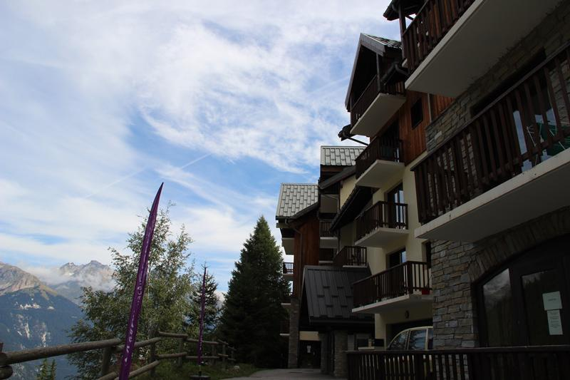 Holiday in mountain resort Chalets du Thabor - Valfréjus