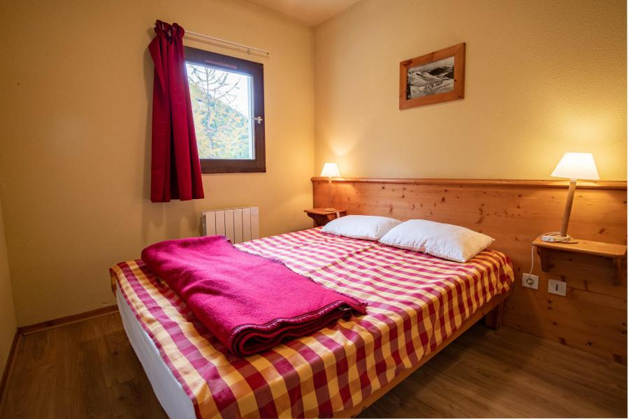 Holiday in mountain resort 2 room apartment 4 people (A9) - Chalets du Thabor - Valfréjus