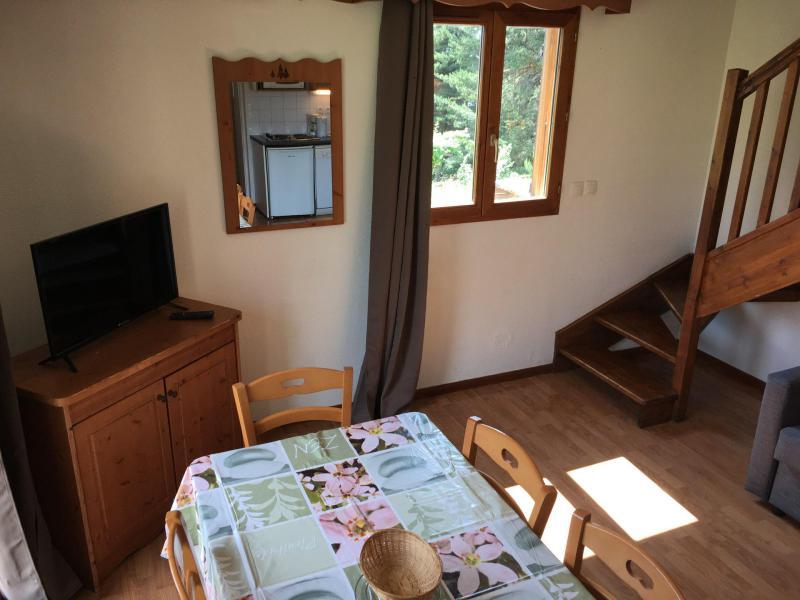 Vacaciones en montaña Chalet semi-separado 4 piezas para 8 personas (M2) - Chalets la Crête du Berger - La Joue du Loup