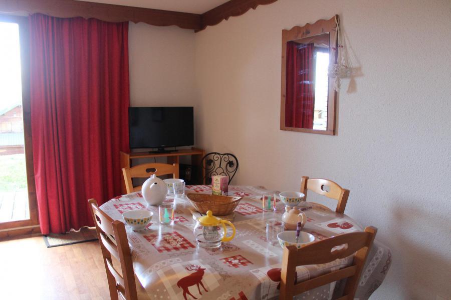 Vacaciones en montaña Chalet semi-separado 4 piezas para 8 personas (L1) - Chalets la Crête du Berger - La Joue du Loup - Mesa
