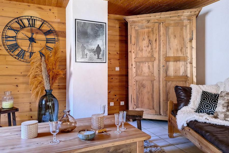 Vacances en montagne Chalet triplex 4 pièces 6 personnes (Siana) - Chalets les Granges - Saint Martin de Belleville - Table