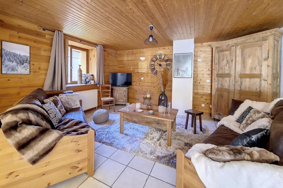 Vacances en montagne Chalet triplex 4 pièces 6 personnes (Siana) - Chalets les Granges - Saint Martin de Belleville - Table basse