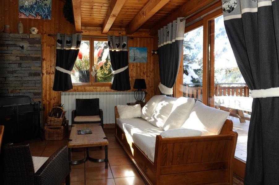 Vacances en montagne Chalet 7 pièces 12 personnes (lelys) - Chalets les Varcins - Saint Martin de Belleville - Table