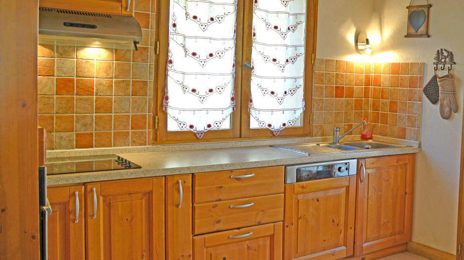 Holiday in mountain resort Chalets Violettes - Saint Martin de Belleville - Kitchen