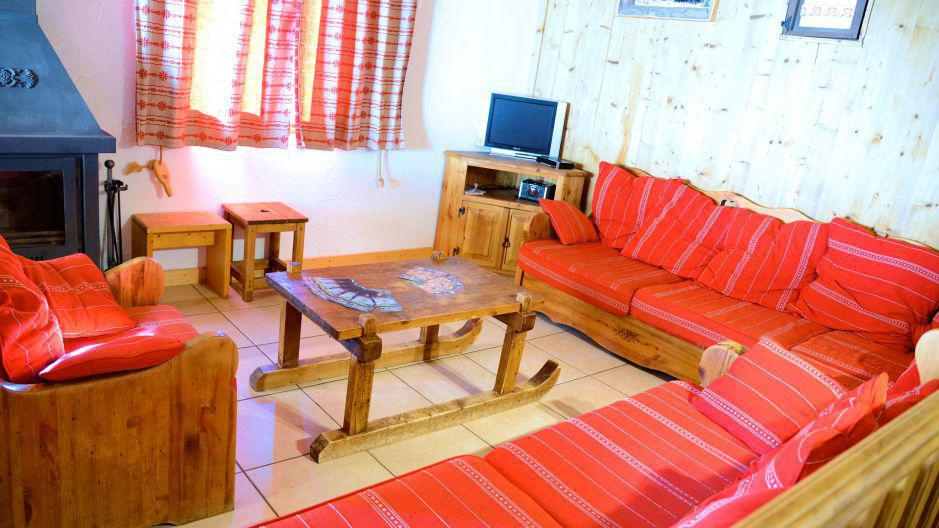 Holiday in mountain resort Chalets Violettes - Saint Martin de Belleville - Settee