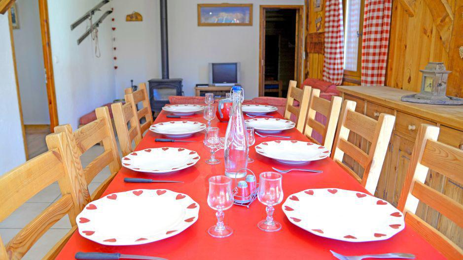Holiday in mountain resort Chalets Violettes - Saint Martin de Belleville - Table