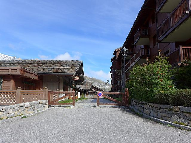 Holiday in mountain resort 4 room apartment 8 people (1) - Ecrin des Neiges - Tignes - Summer outside