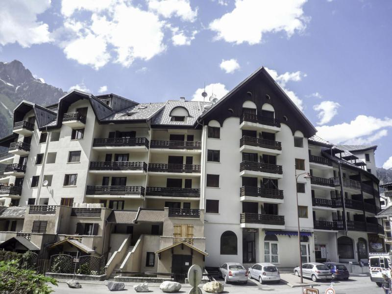 Holiday in mountain resort Gentiane - Chamonix - Summer outside