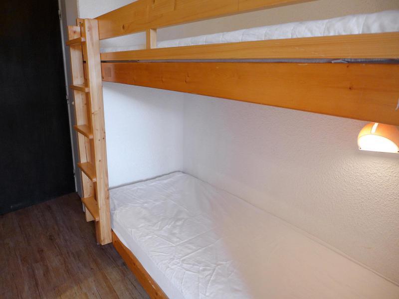 Holiday in mountain resort Studio sleeping corner 4 people (1) - Home Club - Tignes - Bunk beds