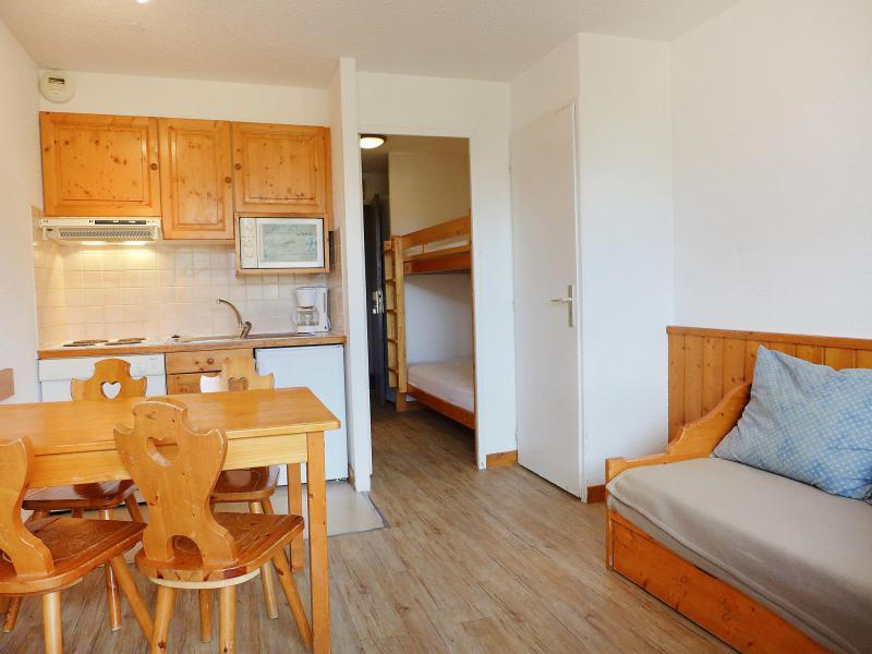 Holiday in mountain resort Studio sleeping corner 4 people (1) - Home Club - Tignes - Dining area