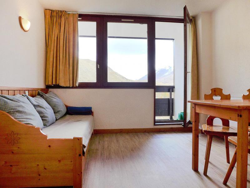 Holiday in mountain resort Studio sleeping corner 4 people (1) - Home Club - Tignes - Living room