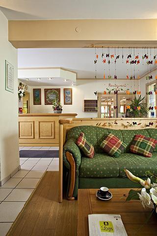 Holiday in mountain resort Hôtel Athéna - Brides Les Bains - Reception