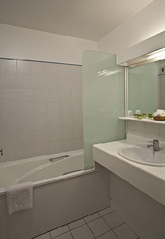 Holiday in mountain resort Hôtel Athéna - Brides Les Bains - Bathroom