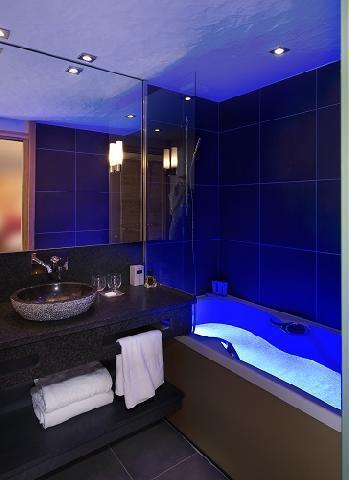 Holiday in mountain resort Hôtel Au Coeur du Village - La Clusaz - Bathroom
