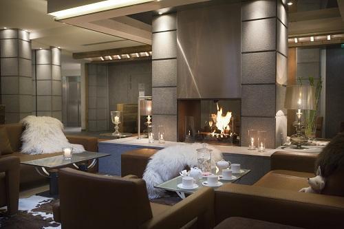 Holiday in mountain resort Hôtel Au Coeur du Village - La Clusaz - Fireplace
