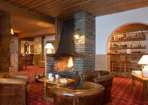 Holiday in mountain resort Hôtel Beaulieu - La Clusaz - Bar