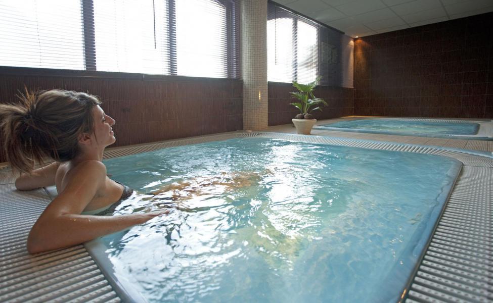 Vakantie in de bergen Hôtel Club Adonis Valfréjus by Olydea - Valfréjus - Jacuzzi