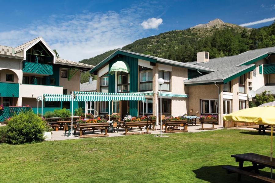 Location au ski Hôtel Club Les Alpes d'Azur - Serre Chevalier - Extérieur été