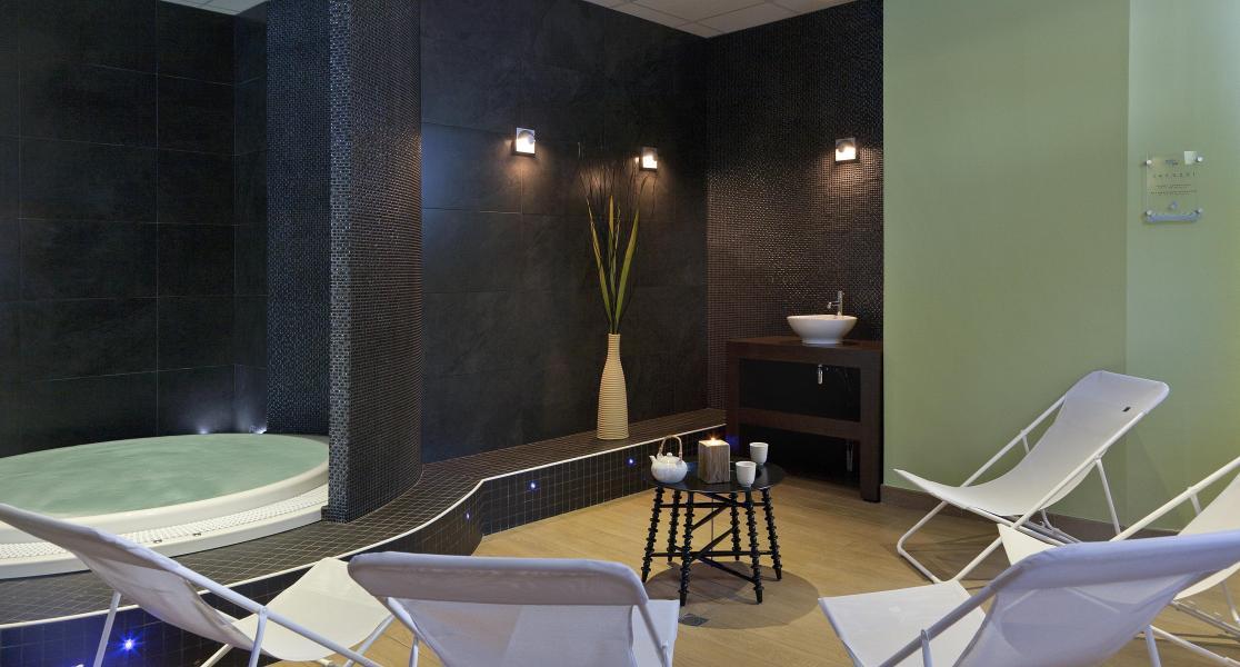 Vacances en montagne Hôtel Club MMV Altitude - Les Arcs - Bain à remous