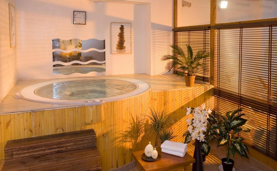 Vacances en montagne Hôtel Club MMV le Val Cenis - Val Cenis - Bain à remous
