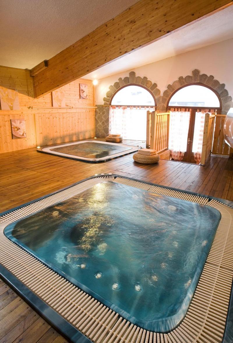 Vacances en montagne Hôtel Club MMV les Brévières - Tignes - Bain à remous