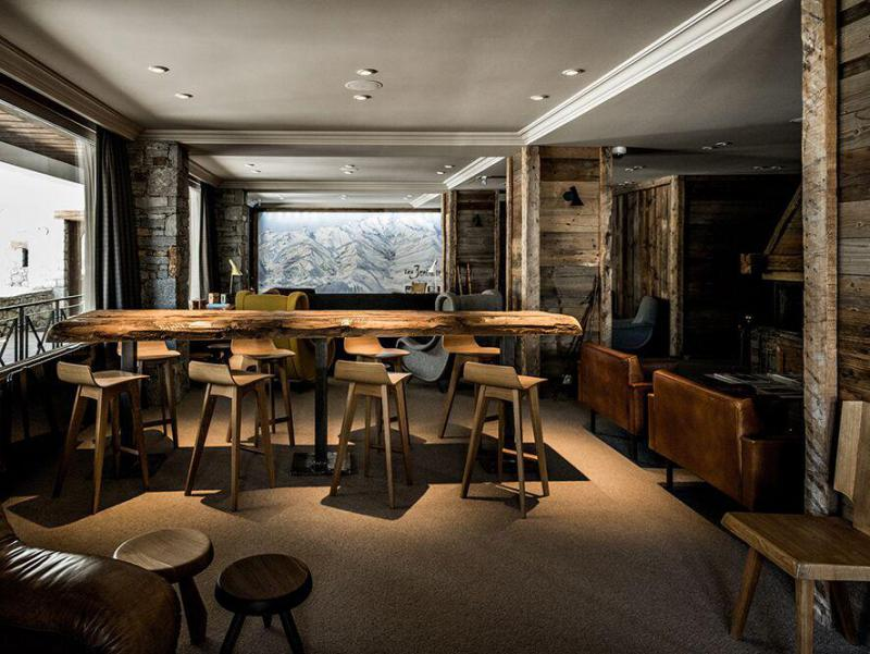 Holiday in mountain resort Hôtel des 3 Vallees - Courchevel -