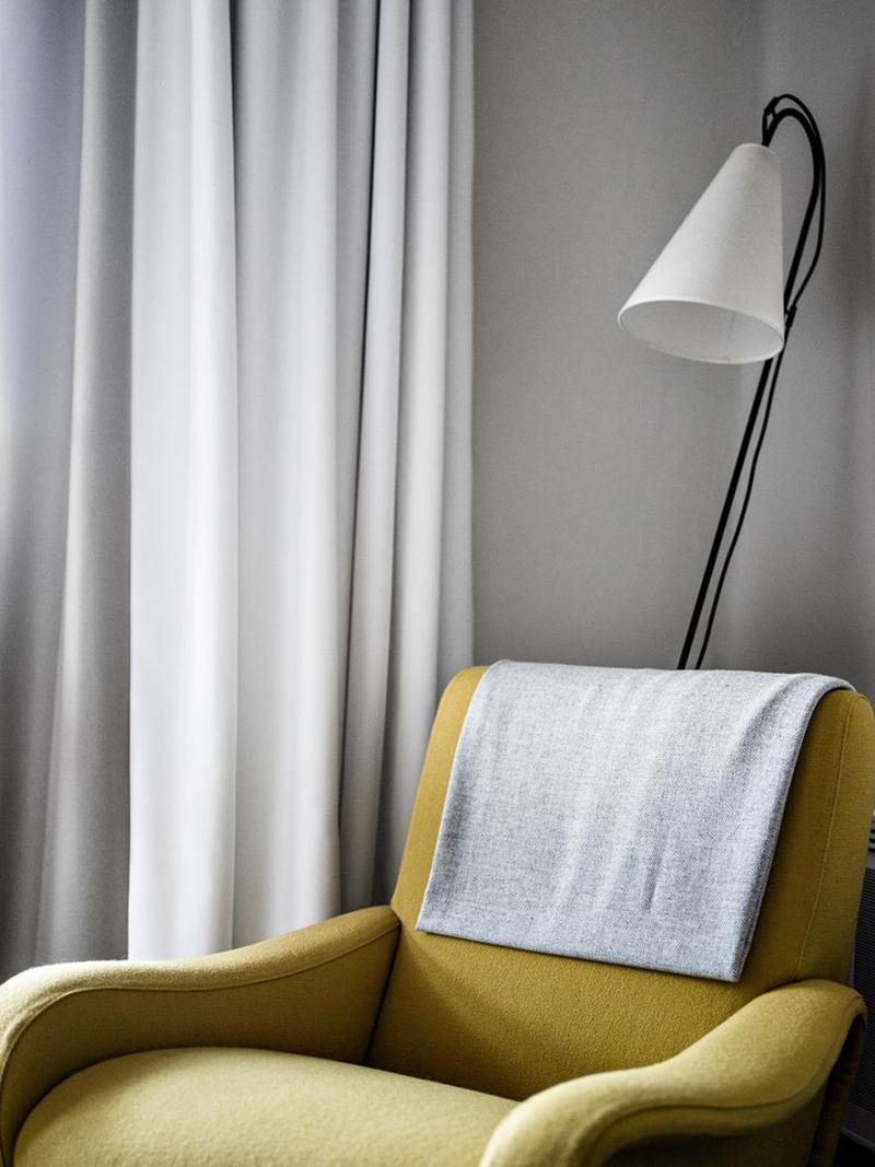 Holiday in mountain resort Comfort Room (2 people) - Hôtel des 3 Vallees - Courchevel - Armchair