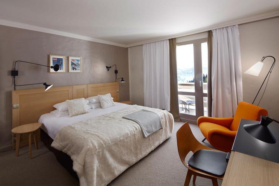 Holiday in mountain resort Comfort Room (2 people) - Hôtel des 3 Vallees - Courchevel - Bedroom