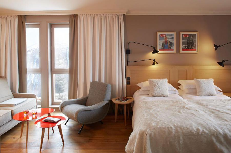 Holiday in mountain resort Privilege Room (2 adults + 1 child -16yo) - Hôtel des 3 Vallees - Courchevel - Accommodation