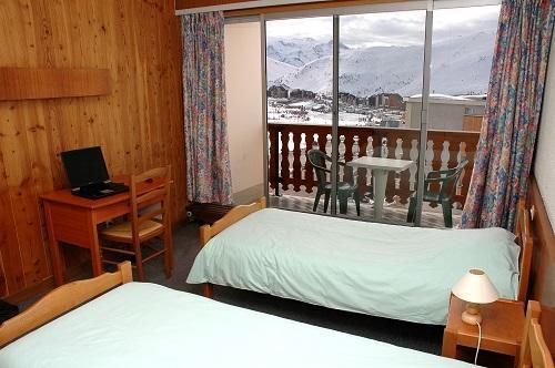 Holiday in mountain resort Hôtel Eliova le Chaix - Alpe d'Huez - Bedroom