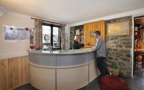 Holiday in mountain resort Hôtel Eliova le Génépi - Méribel - Reception