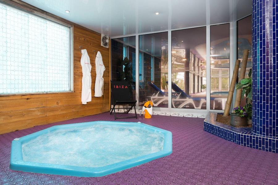 Urlaub in den Bergen Hôtel Ibiza - Les 2 Alpes - Whirlpool